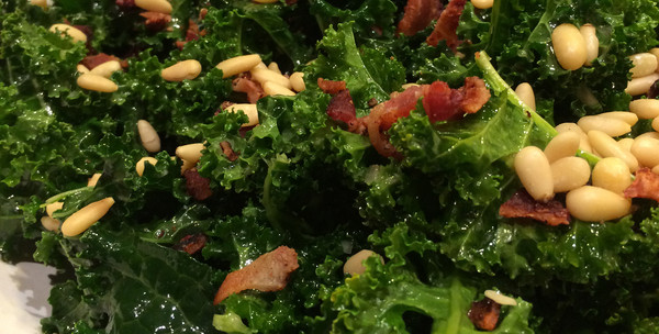 Kale salad with Orange-Champagne Vinaigrette