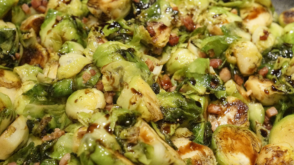 Caramelized Brussels Sprouts with Garlic and Pancetta